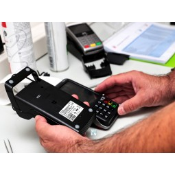 Acheter tpe Move 5000 3G sans contact en ligne avec base modem ou chargeur
